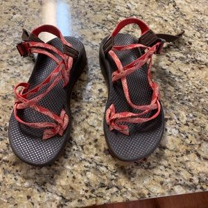 chacos !!!